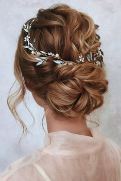 Wedding Updos Ultimate Guide Most Trendy Ideas For 2020 wedding updos swept wa. - Wedding Updos Ultimate Guide Most Trendy Ideas For 2020 wedding updos swept wavy low bun with hal - Wedding Hairstyles Half Up Half Down, Wedding Hairstyles For Long Hair, Pretty Hairstyles, Indian Hairstyles, Bride Hairstyles With Veil, Prom Hairstyles, 27 Piece Hairstyles, Office Hairstyles, Anime Hairstyles