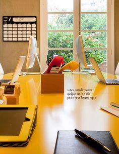 Yellow details and natural light. #decor #design #office #casadevalentina