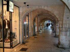 La Rochelle - Boutiques sous les arcades