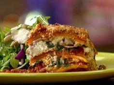 Butternut Squash and Pork Lasagna Recipe : Anne Burrell : Food Network (noodle-less) Food Network Recipes, Food Processor Recipes, Butternut Squash Lasagna, Veg Lasagne, Pork Mushroom, Mushroom Lasagna, Pork Ragu, Spinach Stuffed Mushrooms, Vegetables