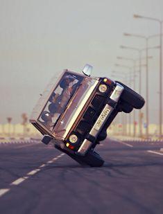 als je deze stunt doet dan kun je verongelukken Car Images, Car Pictures, Nissan Patrol Y61, 4x4, Patrol Gr, Todays Mood, Film Aesthetic, Room Wallpaper, Amazing Cars