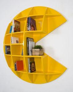 Pac-Man Shelf / Bookcase Neat for a rec room or kids room Nerd Room, Gamer Room, Sala Nerd, Geek Mode, Deco Gamer, Bookshelf Inspiration, Video Game Rooms, Video Games, Video Game Decor