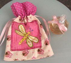 Mini perfume no saquinho de tecido