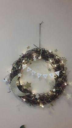 Weihnachts- und Winterkränze machen Sie mit LED Beleuchtung noch viel besonderer... 13 schöne Ideen! - DIY Bastelideen