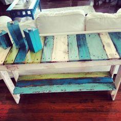 mesa con tablas pintadas turquesa claro y oscuro blanco verde ...