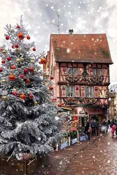 Looking for for ideas for christmas quotes?Check out the post right here for unique Christmas inspiration.May the season bring you joy. Christmas Feeling, Cozy Christmas, All Things Christmas, Christmas Time, Christmas Gifts, German Christmas, Christmas Goodies, Winter Holiday, Beautiful Christmas