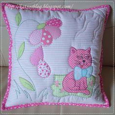 handmade by Katroš. Applique Cushions, Patchwork Cushion, Sewing Pillows, Quilted Pillow, Applique Quilts, Quilt Baby, Cat Quilt, Applique Patterns, Applique Designs