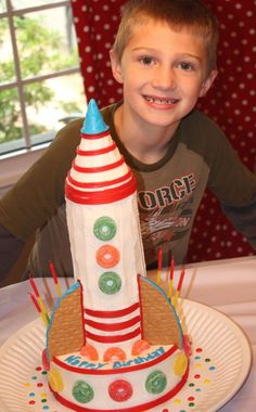 Birthday Blast tutorial: how to make a rocket cake out of donuts Rocket Ship Cakes, Rocket Ship Party, Rocket Cake, Rocket Birthday Parties, Birthday Blast, Birthday Cakes, Space Party, Party Cakes, Party Time