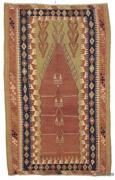 OBRUK (near Bor, in the Niğde province) prayer kilim. Wool on wool, slit tapestry. 135 x 220 cm. Carpet Flooring, Rugs On Carpet, Carpets, Boho Decor, Bohemian Rug, Prayer Rug, Rugs In Living Room, Kilim Rugs, Vintage Rugs