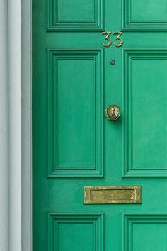 Obtenez un devis gratuit pour refaire vos fenêtres et portes !  À l'heure de choisir ses portes et ses fenêtres, différentes questions doivent se poser : quelle matière choisir ? Quel type de vitrage ? Comment optimiser l'ensoleillement naturel ? Quel type d'ouverture privilégier ?   Trouvez le pro de vos rêves pour refaire la menuiserie de votre habitat ! #porte #menuiserie #devis