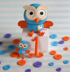 Hoot cake and cupcake toppers