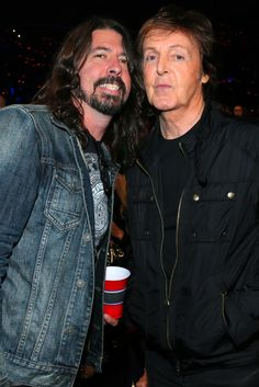 Paul McCartney And Dave Grohl Performed Beatles' Classic 'I Saw Her Standing There'