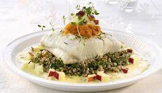Ovnsbakt kveite er en fantastisk fisk å servere gjester. Denne oppskriften hjelper deg å lage tilbehør verdig en så flott fisk. Et festmåltid med gode norske råvarer.