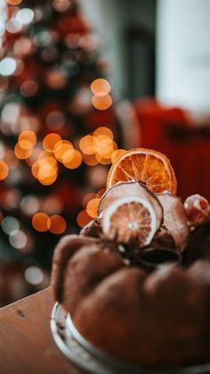 Free download wallpaper hd cupcake, pastries, dried fruits, dessert, christmas, cozy samsung galaxy s4, s5, note, sony xperia z, z1, z2, z3, htc one, lenovo vibe hd background - Free Wallpaper | Download Free Wallpapers