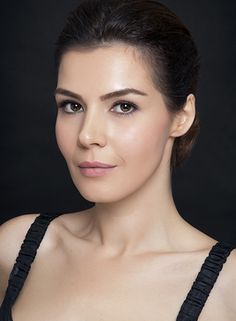 Hatice Şendil S Girls, Sweet Girls, Hatice Sendil, Beautiful People, Beautiful Women, Turkish Beauty, Actrices Hollywood, American English, Turkish Actors