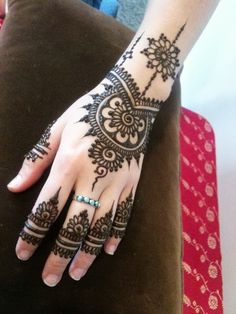 Henna Tattoos @ MMBB one day?? For fun?? FREE TRAINING VIDEO WILL SHOW YOU HOW TO MAKE MONEY ONLINE socialmediabar.co...