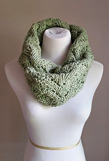 A bulky and thus quick knit perfect for holiday knitting! One cowl takes approximately two days to knit!