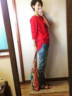 ユニクロエクストラファインコットンブロードTシャツで赤い秋色コーデ 8月15日