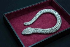 Cartier : This naturalistic snake necklace, now part of the Cartier Collection, was commissioned by the Mexican actress María Félix in 1968 and is pavéd with 2,473 diamonds.