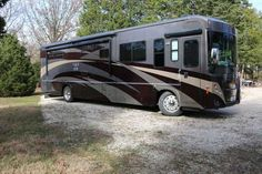 2008 Used Winnebago Journey 39Z Class A in Missouri MO.Recreational Vehicle, rv, 2008 Winnebago Journey Class A Motorhome. Excellent condition, low mileage, 2nd owner. 6 new batteries in 2014. New brakes, brake hardware and drums, new tires. Complete cooling system flush, new wiper motor, new hydraulic leveling motor in fall of 2014. Very well maintained. All available options, new safe space T Steer steering stabilizer in fall of 2014. Less than 500 hours on generator. $139,500.00…