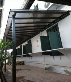 The Tarnhow Cantilever Free Standing Canopy With A
