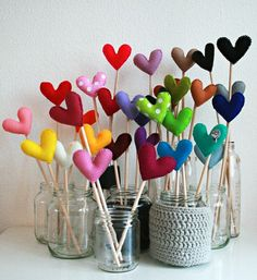 love these felt hearts on sticks