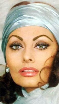 Sophia Loren.....beautiful eyes
