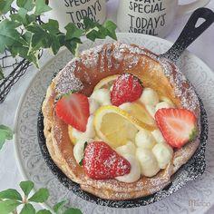 ふわホワ食感がやみつき♡5分でできる「エアーチーズケーキ」のレシピ Cute Food, Yummy Food, Puff And Pie, Sushi, Sweets Recipes, Desserts, Kawaii Dessert, Cut Recipe, English Food