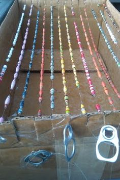 Upcycled Stuff: Wordless Wednesday Featuring my Upcycled Bead Drying Rack --- I need to make some beads like this for stacked bracelets and a window valence Paper Beads Tutorial, Paper Beads Template, Make Paper Beads, Paper Bead Jewelry, How To Make Beads, Jewelry Crafts, Beaded Jewelry, Jewellery, Book Crafts