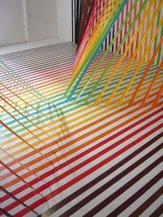 Impresionante galería de arte con cinta adhesiva