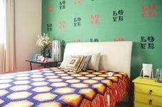 Depois de divulgar o blog no Facebook ele acabou recebendo varias mensagens de pessoas que gostariam mostrar suas respectivas casas. | 16 ideias inspiradoras de casas decoradas pelos seus próprios donos