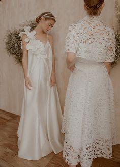 We Can't Get Enough of Vania Romoff's Bridal 2018 Collection! Wedding Dress Backs, Gorgeous Wedding Dress, Colored Wedding Dresses, Beautiful Dresses, Wedding Gowns, Wedding Blog, Lace Wedding, Bridal Lace, Mermaid Wedding