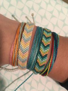 Thread Bracelets, Embroidery Bracelets, String Bracelets, Braided Friendship Bracelets, Diy Friendship Bracelets Patterns, Summer Bracelets, Cute Bracelets, Wrap Bracelet Tutorial, Make Your Own Bracelet