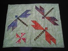 doll quilt, miniature quilt -- a really easy-to-piece dragonfly block/quilt