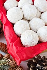 Russian Teacakes | Dulce Dough Recipes - we call them Mexican Wedding Cakes and they're our favorite Christmas cookie