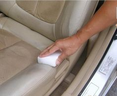 Need a car deep cleaning? We rounded up the top car cleaning tips, tricks & hacks for you. These are the BEST ways to clean/wash a car (inside and out! Clean Leather Seats, Cleaning Leather Car Seats, Clean Car Seats, Car Cleaning Hacks, Car Hacks, Car Interior Cleaning, Cleaning Solutions, Home Design, Interior Design