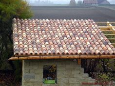 #Halbschale: Coppo di Domenica in gemischten Farben Villa, Outdoor Structures, Roof Tiles, Mediterranean Style, Gable Roof, Architectural Materials, Fork, Villas