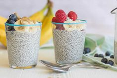 Beat egg boredom with this refreshing breakfast chia pudding. Chia seeds are high in protein, fiber, and omega 3 fatty acids. Top this chia pudding with fruit and nut butter. Whole 30 Dessert, Whole 30 Breakfast, Breakfast Options, Paleo Breakfast, Chia Pudding Breakfast, Weigth Watchers, Hemp Milk, Pudding Recipes, Convenience Food