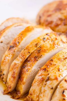 Healthy and juicy Baked Chicken Breast in the oven with 5 minutes of prep. This simple chicken breast recipe will become your go-to! Chicken Recipes Healthy Oven, Oven Recipes, Cooking Recipes, Healthy Food, Dinner Recipes, Healthy Eating, Turkey Recipes, Dinner Ideas, Clean Eating
