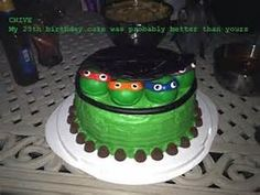 Kyle would love this! 50 Awesome Themed Cakes And Cupcakes 25th Birthday Cakes, Birthday Fun, Birthday Ideas, Birthday Parties, Tmnt Cake, Cupcake Cakes, Cupcakes, Disney Desserts, Dessert Decoration