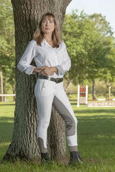 The Cordoba Breech, part of Devon-Aire's Signature line, is made of a supportive woven fabric that is lightweight and moisture-wicking, but also durable. The breech is designed for riders who spend a lot of time in the saddle, providing stretch for freedom of movement. A microsuede synthetic full-seat patch treated with silicone provides extra grip in the saddle and holds up through repeated washings. Details include front pockets, accent trim stitching and faux rear decorative flaps. This b...