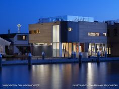 House boat - modern exterior by Vandeventer + Carlander Architects