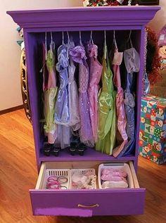 Dress up organizer
