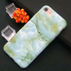 Special pattern on the case makes your phone different and eyes-catching