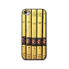 I loved the Nancy Drew books! Great list of of phone cases all made from vintage book collections, like Nancy Drew and Winnie the Pooh! Cool Books, I Love Books, Just In Case, Just For You, Nancy Drew Books, Nancy Drew Mysteries, Nerd, Best Book Covers, Mystery Books