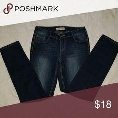Skinny jeans NWOT size 9 skinny jeans Jeans Skinny