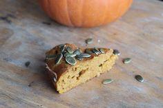 Stay Fit : Cake à la Citrouille. Testé en version salée avec un peu de feta, excellent. Une recette qui change et saine. Petit Cake, Granola, Un Cake, No Bake Desserts, Muffin, Pumpkin, Baking, 2013, Breakfast