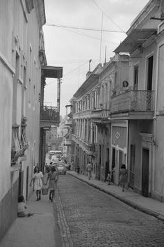 Calle O'Donnell, San Juan, Puerto Rico (1942  looks like Italy...I want to go to Italy . love my Puerto Rico