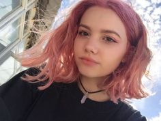 Berni with pink hair. Dye My Hair, New Hair, Peinados Pin Up, Coloured Hair, Aesthetic Hair, Pastel Hair, Grunge Hair, Rainbow Hair, Pretty Hairstyles