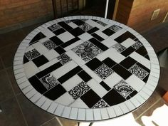 Mosaic Furniture, Mosaic Art, Stained Glass, Tile, Quilts, Cool Stuff, Wood, Home, Round Tables